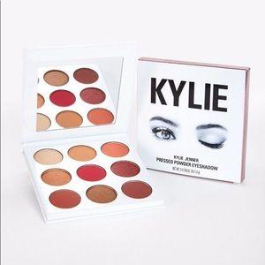 Kylie cosmetics Burgundy eyeshadow palette 9 pans